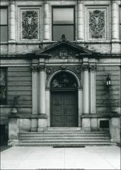 Thumbnail of Biological Hall, The Ohio State University: Exterior detail of entrance