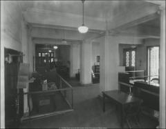Thumbnail of Hagerty Hall, The Ohio State University: Interior view of main hall, 1927