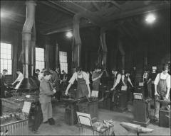 Thumbnail of Hayes Hall, The Ohio State University: Interior view of metalworking classroom, 1906