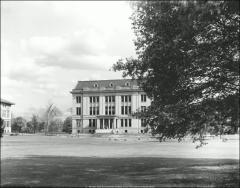 Thumbnail of Mendenhall Laboratory, The Ohio State University: Exterior view across Oval