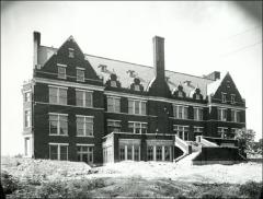 Thumbnail of Student Services Building (Enarson Hall), The Ohio State University: Exterior view from northeast