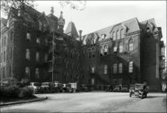Thumbnail of University Hall (demolished), The Ohio State University: Exterior view, 1930