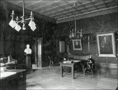 Thumbnail of University Hall (demolished), The Ohio State University: President's Office, 1905