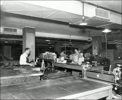 Thumbnail of Thompson Memorial Library, The Ohio State University: Interior view of bindery
