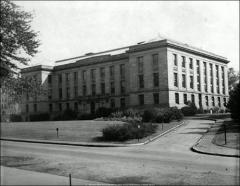 Thumbnail of Thompson Memorial Library, The Ohio State University: Exterior view from northeast
