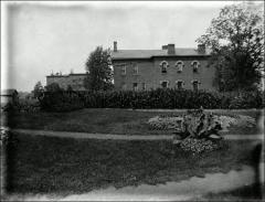 Thumbnail of South Dormitory, The Ohio State University: Exterior view