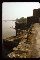 Thumbnail of Walls along the Danube