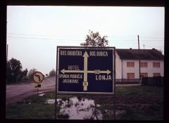Thumbnail of Road sign pointing to Jasenovac