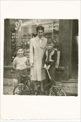 Thumbnail of Photograph: Bicycle shop in Canada