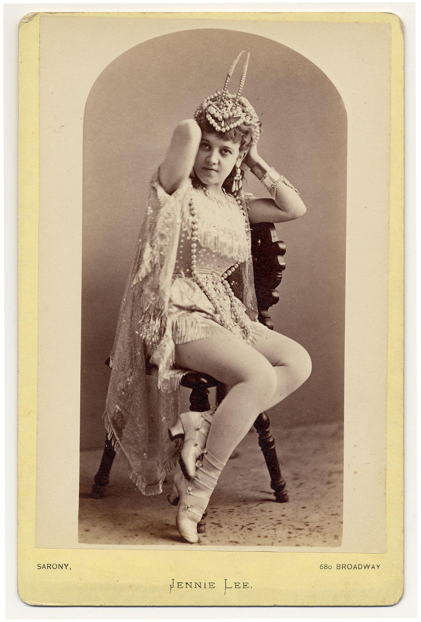 A Queen Of The Burlesque [1910]