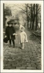 Thumbnail of Annie Castor (Glenn) and her sister Jane, circa 1925-26
