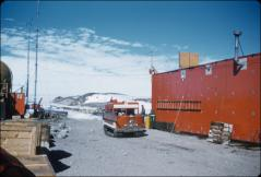 Thumbnail of Cargo unloading area