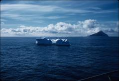Thumbnail of Small iceberg