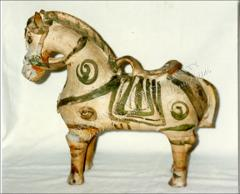 Thumbnail of Ceramic Horse of Pucara, Side View
